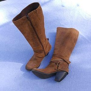 Fergie Legend too bark Lea tall boots